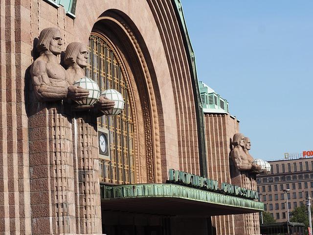 Casino Helsinki sijaitsee Rautatientorin laidalla Mikonkadulla